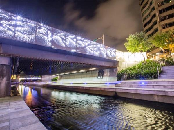 台中柳川-藍帶水岸